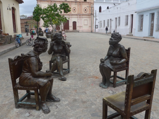 Gossiping women statue in square, Camaguey, Cuba